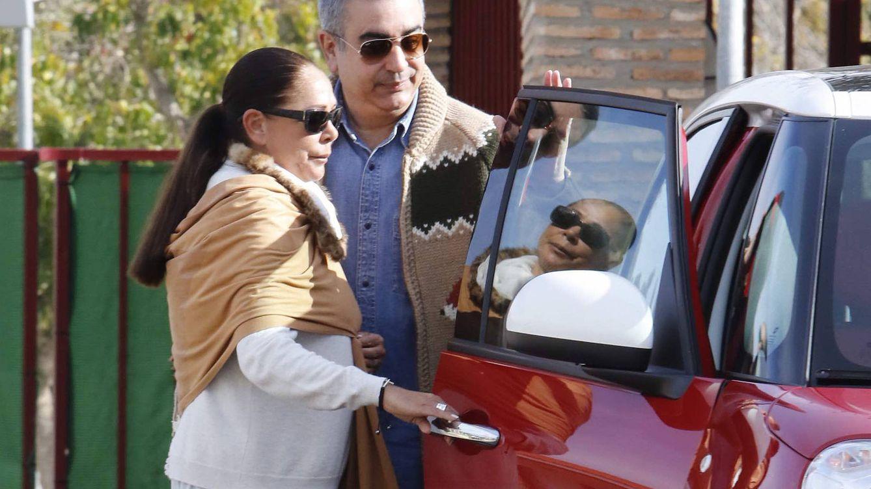 Foto: Agustín Pantoja recogiendo a su hermana a la salida de prisión (Gtres)