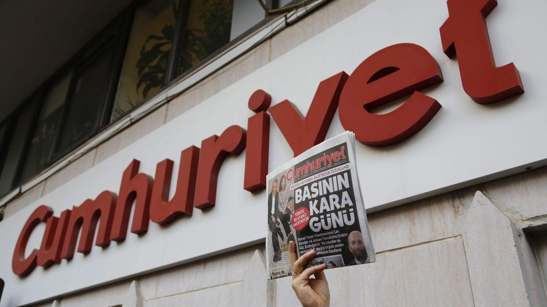 Los otros 'Hamza Yalçin' de Turquía: casi 300 periodistas detenidos desde la asonada