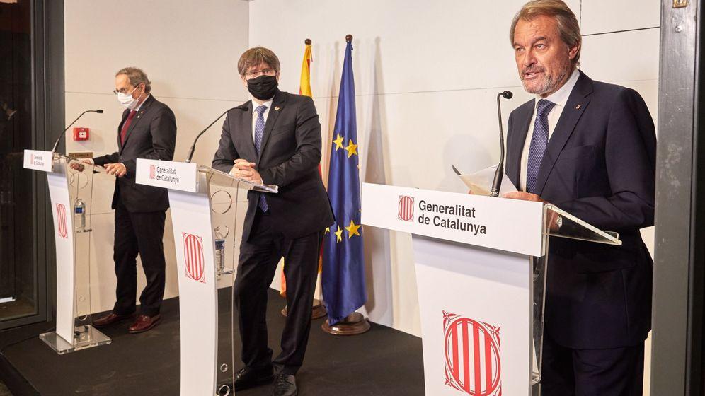 Foto: Carles Puigdemont (c), Artur Mas (d) y Quim Torra, en un acto en Perpiñán. (EFE)