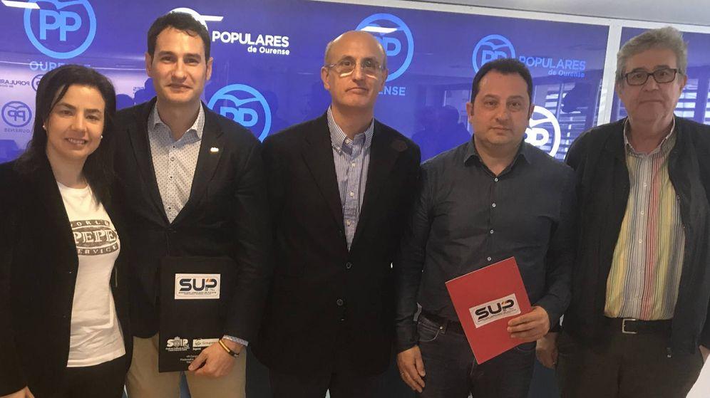Foto: Roberto, segundo por la izquierda, durante uno de sus últimos actos en el SUP (Foto: Twitter)