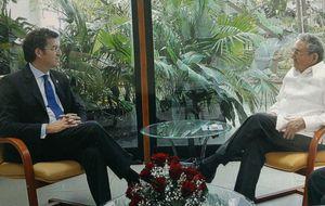 Feijóo ignoró dos invitaciones de la disidencia y sólo vio a Raúl Castro