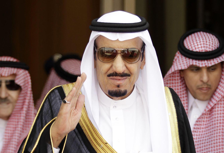 Foto: El rey Salman ya se baña en su playa privada de Tánger huyendo de la polémica francesa