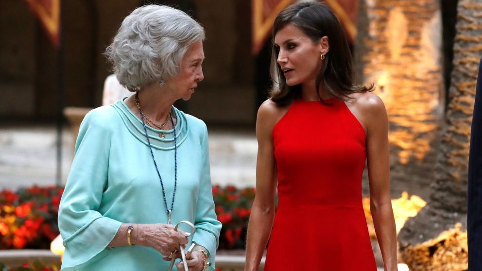 La reina Sofía y su acercamiento a don Juan Carlos y Letizia, en las revistas
