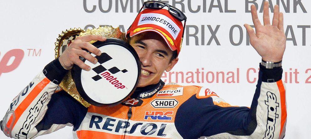 Foto: Marc Márquez en el podio de Losail (Efe).