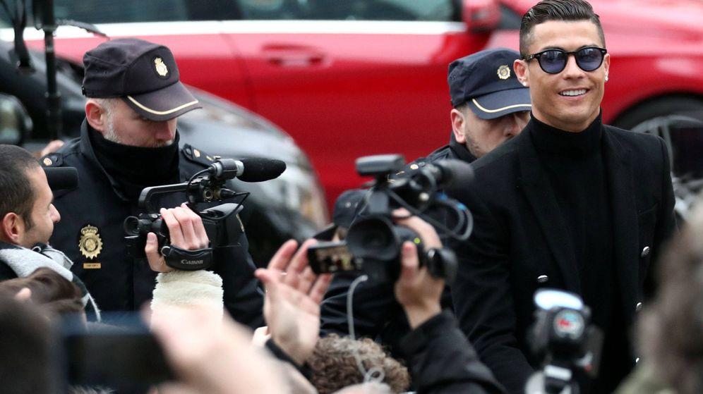 Foto: Cristiano Ronaldo, a su llegada a la Audiencia Provincial de Madrid. (Reuters)