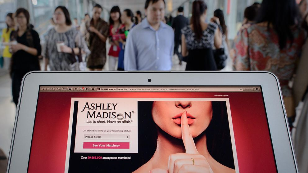'Hackean' Ashley Madison y amenazan con delatar a 37 millones de adúlteros
