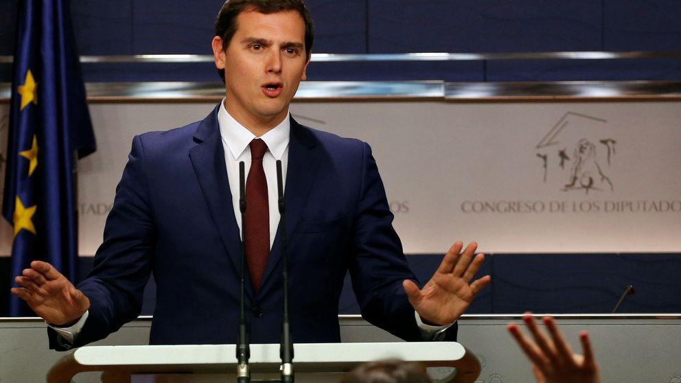 Rivera propone reducir el gasto electoral un 50% y un único 'mailing'