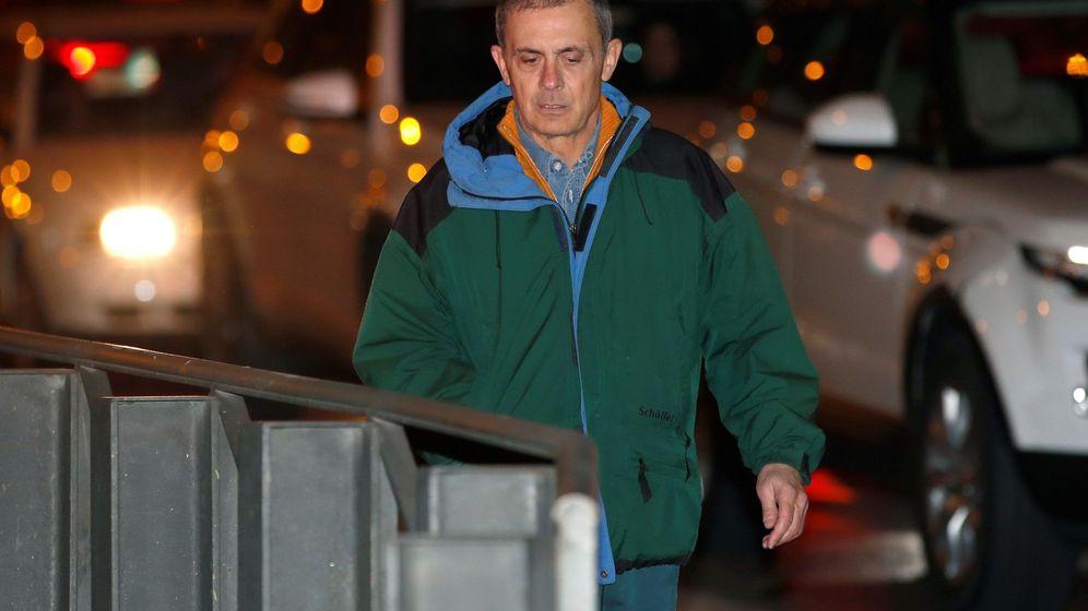 Foto: Jordi Pujol Ferrusola, primogénito del expresidente catalán, a su llegada a la Audiencia Nacional tras salir hoy de la prisión de Soto del Real. (EFE)