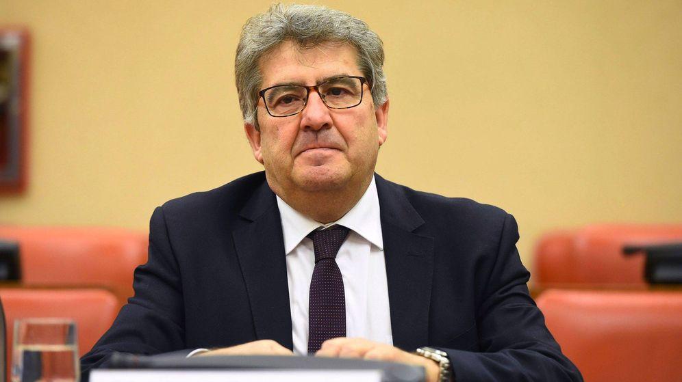 Foto: El magistrado candidato para la elección de vocales de CGPJ José Ricardo de Prada, uno de los jueces del caso Gürtel, durante su comparecencia ante el Congreso. (EFE)