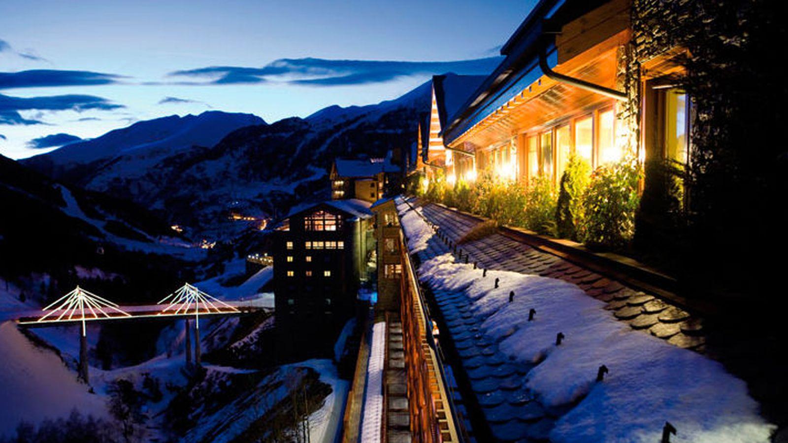 Los diez mejores hoteles de esqu a pie de pista de espa a for Listado hoteles 5 estrellas madrid