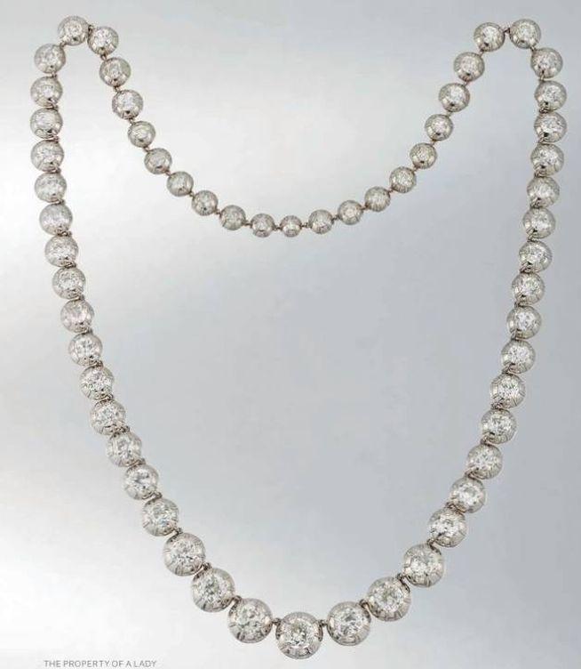 Foto: El collar de chatones que perteneció a la condesa de Villagonzalo. (Christie's)