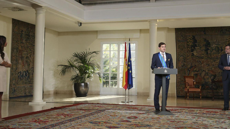 Foto: La soledad de Casillas en la Moncloa (EFE).