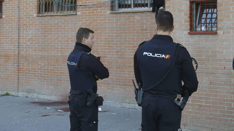 Foto: Dos agentes de Policía - Archivo. (EFE)