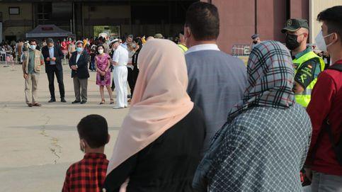 El Gobierno realoja en hoteles a familias afganas para mantener Torrejón operativo