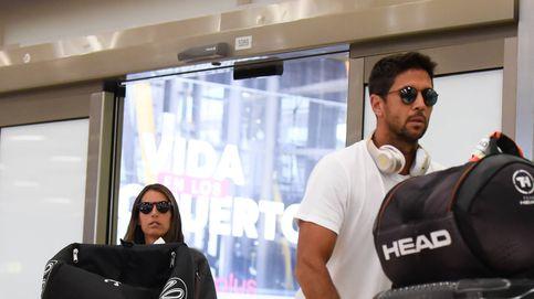 Caras largas y maletones: la aparatosa llegada de Fernando Verdasco y Ana Boyer a Madrid