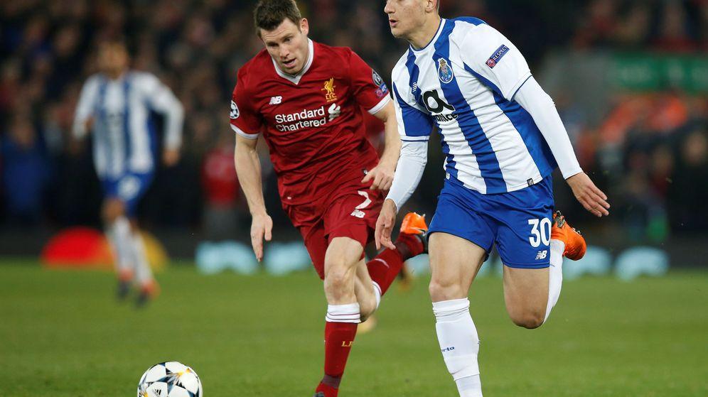 Foto: Diogo Dalot ha jugado siete partidos con el primer equipo del Oporto esta temporada. (Reuters)