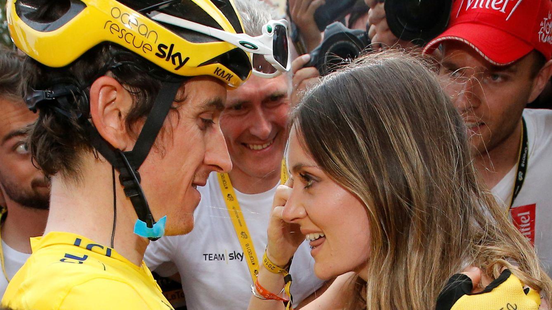 Foto: Thomas celebra el Tour con su mujer. (Reuters)