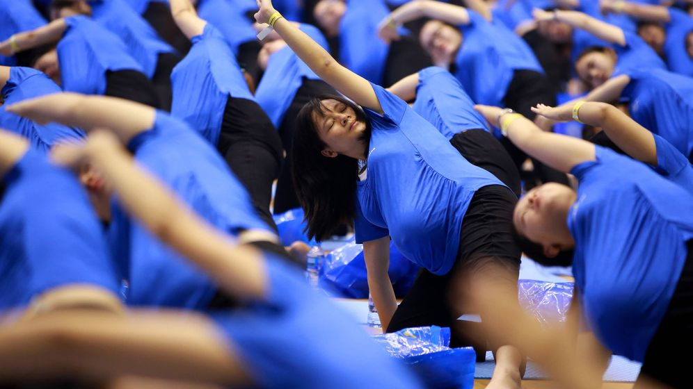 Foto: Práctica de yoga para embarazadas. Foto:  EFE EPA LUONG THAI LINH