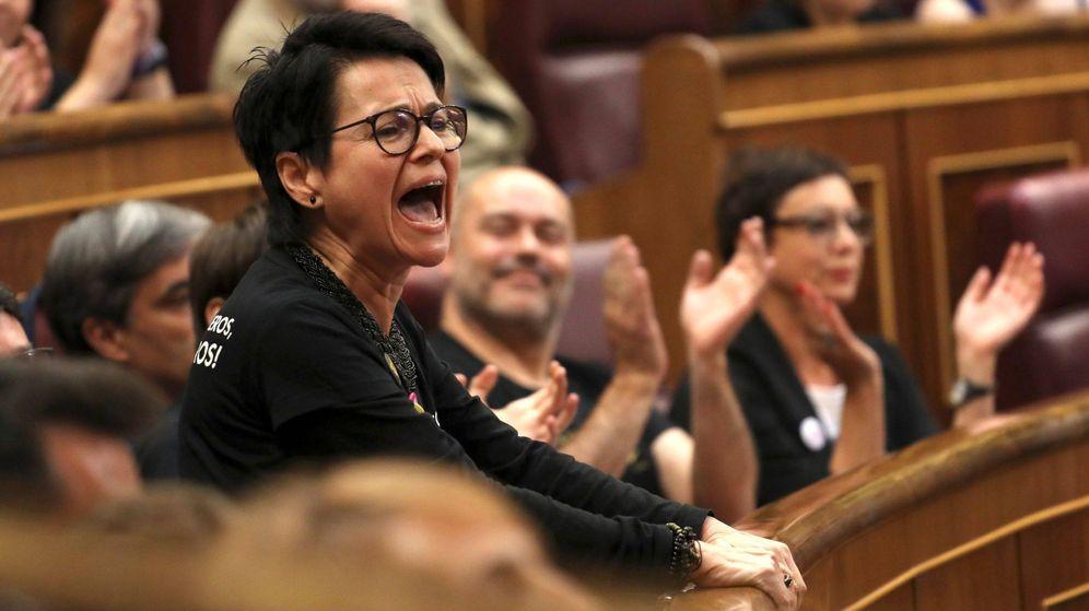 Foto: La diputada brasileña de ERC por Barcelona María Carvalho Dantas, durante la sesión constitutiva de las nuevas Cortes Generales. (EFE)