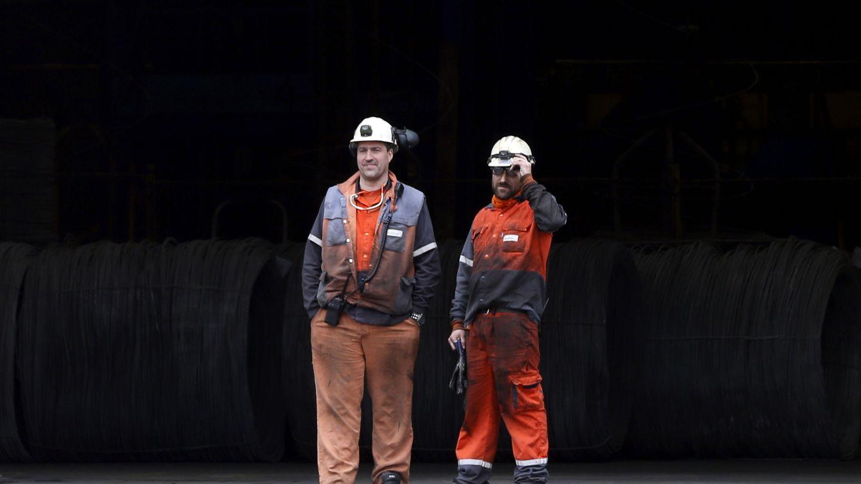 Dos trabajadores de la planta de ArcelorMittal en Zumarraga (Guipúzcoa)