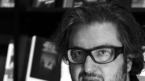 Muere el escritor, galerista y editor Julián Rodríguez tras un ataque al corazón