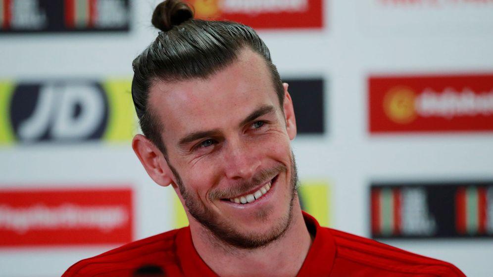 Foto: Gareth Bale, en un gesto sonriente, durante una concentración con la Selección de Galés. (Reuters)