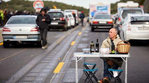 Los cortes en La Jonquera causan 100 millones de pérdidas, según los camioneros