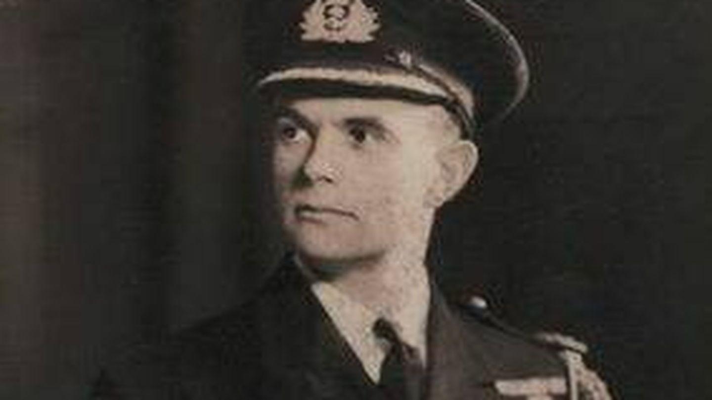 Allan Hilgarth, agregado naval de la embajada británica.