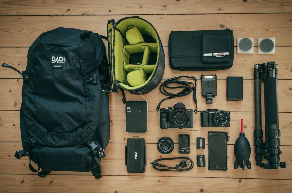 La mochila del fotógrafo 'amateur': todo lo que necesitas para empezar con poco dinero