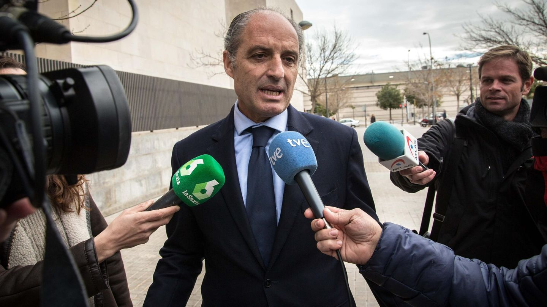Francisco Camps, a su llegada a la Ciudad de la Justicia donde está siendo investigado por la construcción del circuito de F1. (EFE)