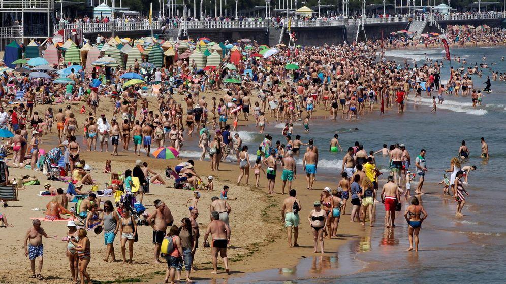 Foto: Una playa en verano. (EFE)