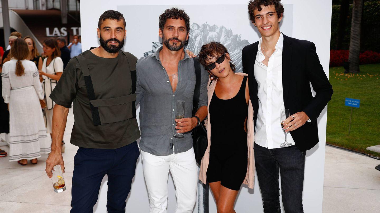 Álex García, Paco y María León y otro acompañante. (Cortesía)