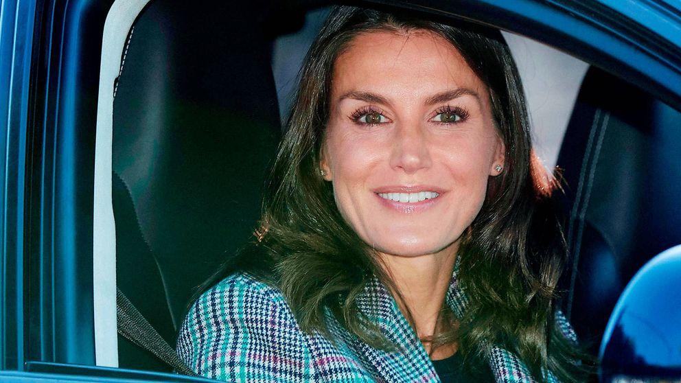 Alternativas low cost (del imperio Inditex) de la americana tartán de la reina Letizia