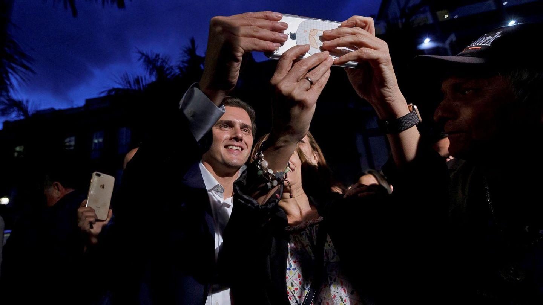 El candidato a la presidencia del Gobierno, Albert Rivera, en Canarias. (EFE)