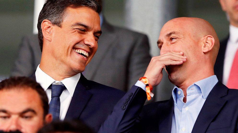 Pedro Sánchez y su amigo Rubiales se ríen del ministro de Cultura ¿y Deportes?
