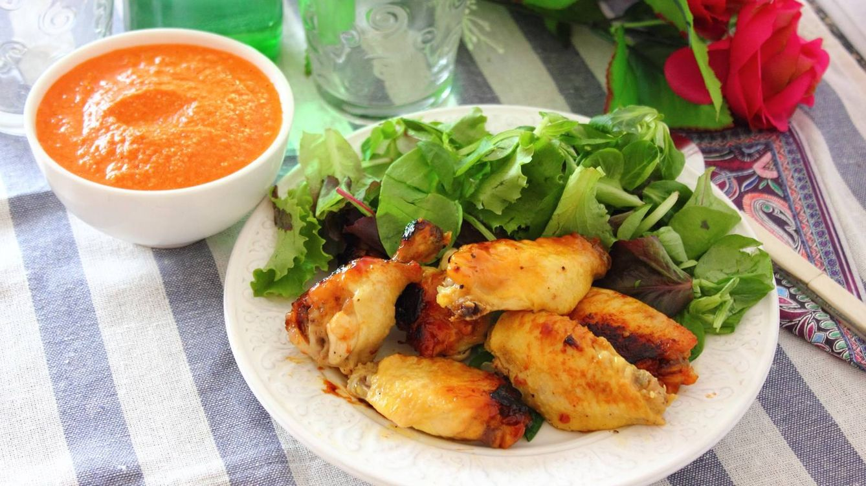 Alitas de pollo al vermú: una receta que casi 'se hace sola'