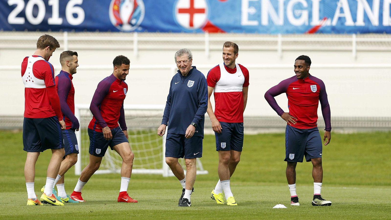 Foto: Roy Hodgson, durante un entrenamiento de Inglaterra. (Reuters)
