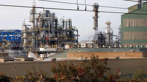Tres muertes por la explosión en la petroquímica, que no avisó a Emergencias