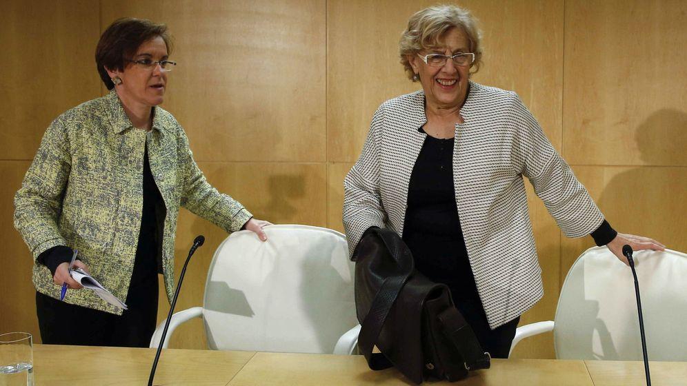 Foto: La alcaldesa de Madrid, Manuela Carmena (d) y la portavoz del PSOE-M en el Ayuntamiento, Purificación Causapié. (EFE)