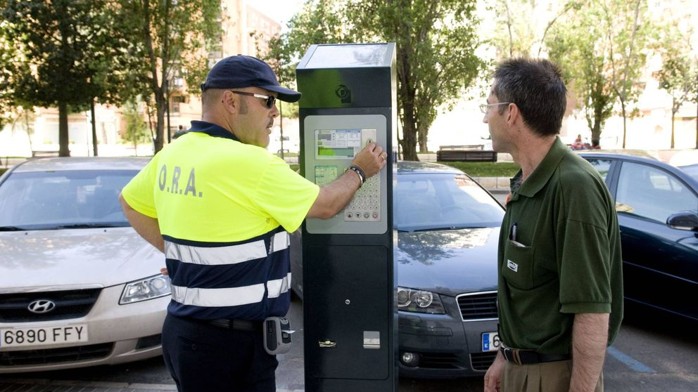 Los controladores de parquímetros (sin 'spray' antidefensa) tendrán solo botón antipánico
