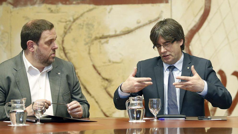 Sánchez traslada a Puigdemont su voluntad de ir a una España federal