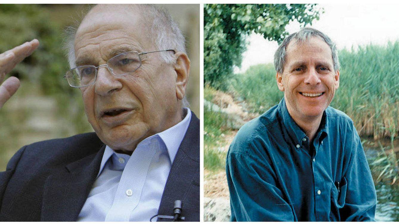 Foto: Daniel Kahneman, retratado por Efe durante una entrevista, y Amos Tversky.