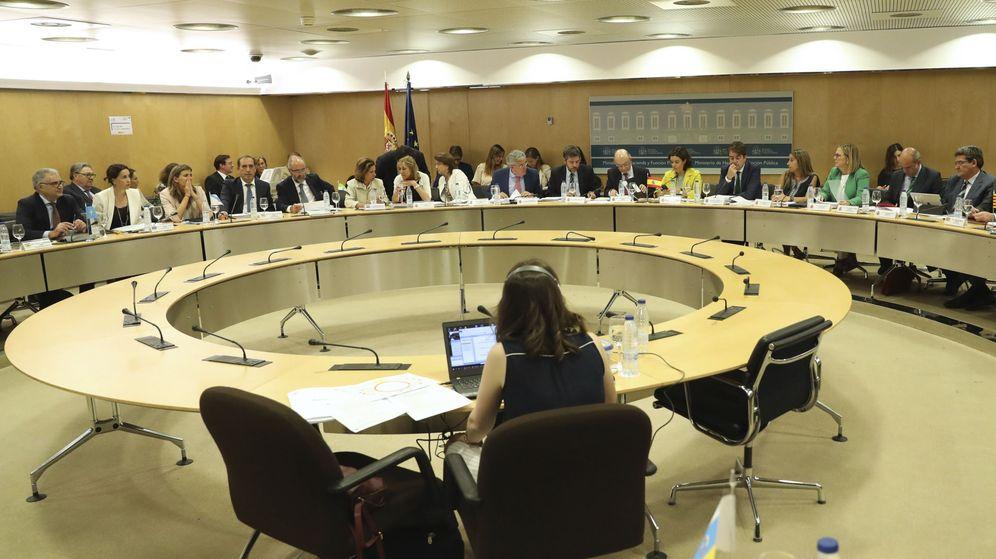 Foto:  Vista general de una reunión que celebra el Consejo de Política Fiscal y Financiera. (EFE)