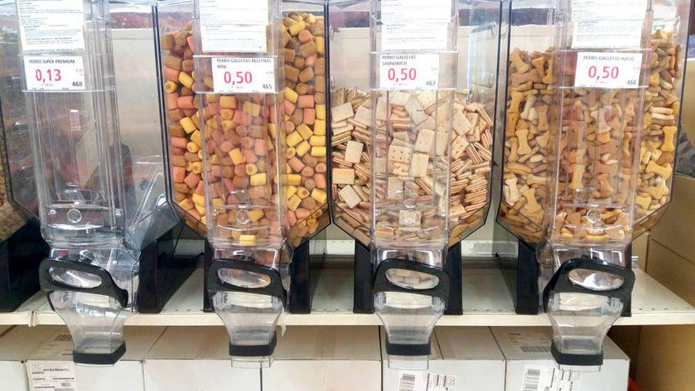 Foto: Alcampo permite comprar cereales, pasta, café, legumbres, comida para mascotas y otros productos a granel. (Foto: M. Valero)