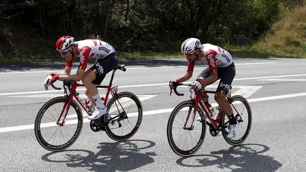 Foto: Tim Wellens y Thomas De Gendt durante la 20ª etapa del último Tour de Francia. (EFE)