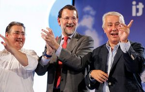 El alcalde de Sevilla casa a su hijo ante la cúpula del PP
