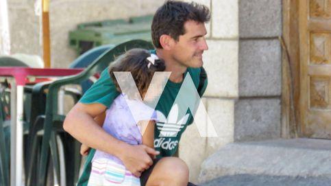 Primicia: Iker Casillas llega a Navalacruz para apoyar a su pueblo tras el incendio