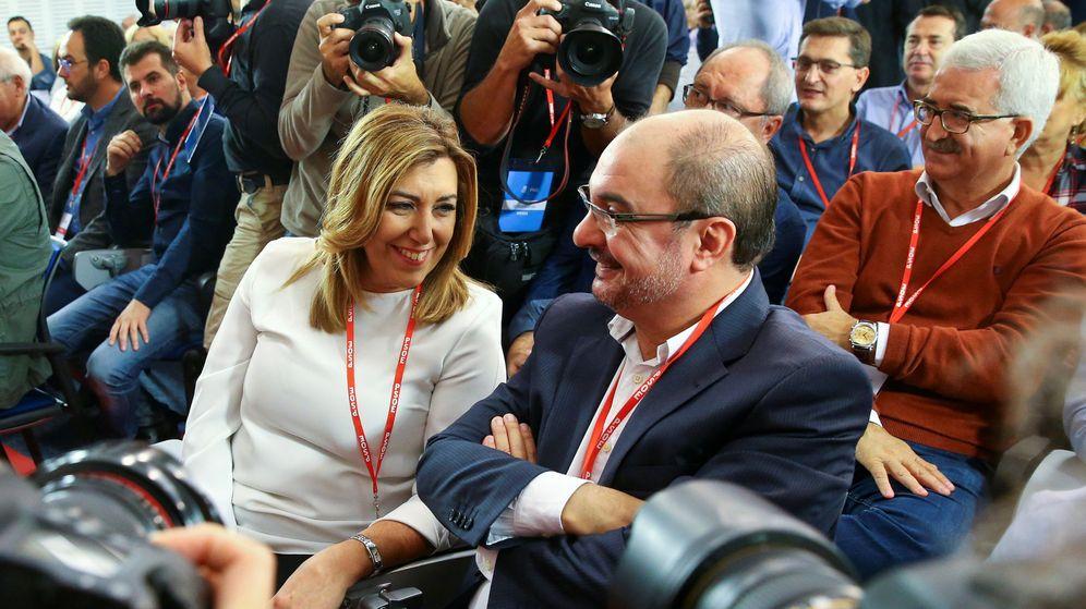 Foto: Los presidentes de Andalucía y Aragón, Susana Díaz y Javier Lambán, ayer, 23 de octubre, durante el comité federal del PSOE. (Reuters)