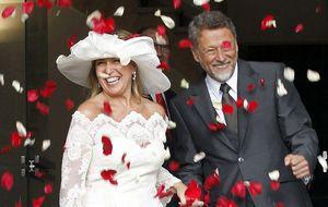 Trinidad Jiménez se casa con un cámara de TVE en la Plaza Mayor de Madrid