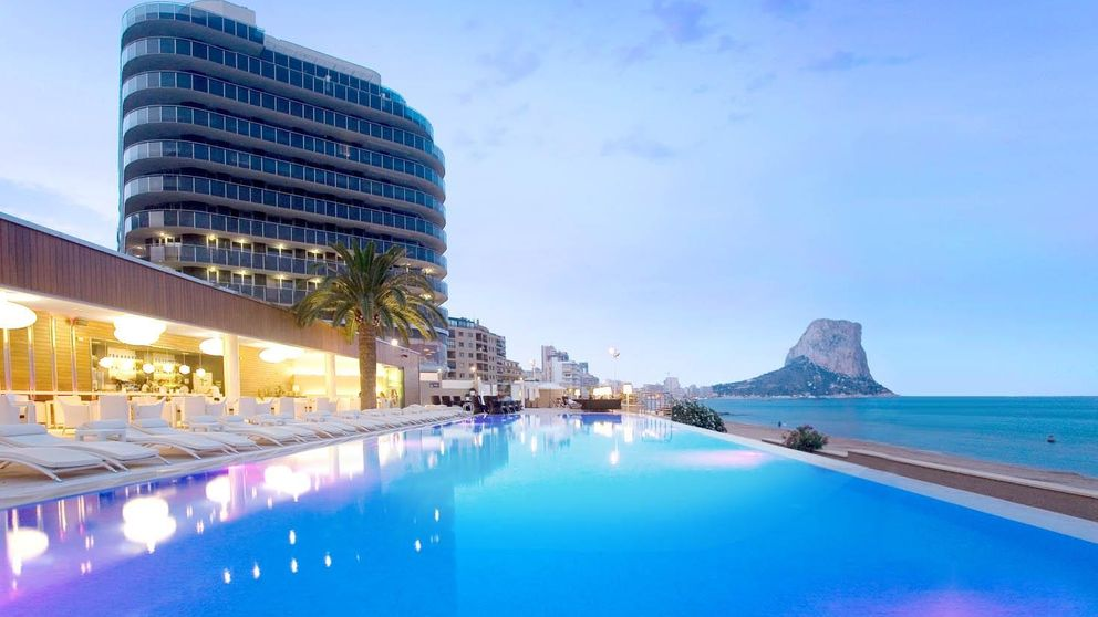Marbella, Barcelona, Calpe... Los 10 beach clubs de hoteles 'cool' en España